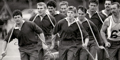 1985 Winning commando log race team